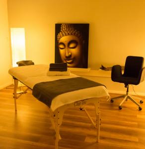 Praxis VITA LOFT Behandlungsraum Massage Hypnose Shiatsu